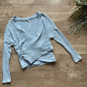 Urban Outfitters Cropped Sweater size S